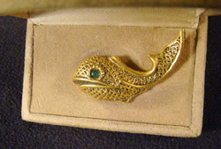 dante filigree fish pin brooch